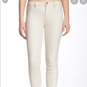 7 For All Mankind cream skinny jeans NWT 26